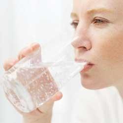 Чим корисна звичайна питна вода