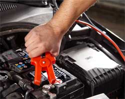 Як правильно заряджати автомобільний акумулятор