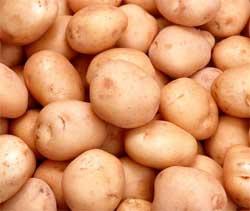 Як легко почистити молоду картоплю