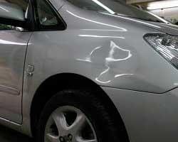 Як позбутися вм'ятин на кузові автомобіля