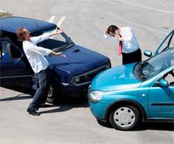 Як вести себе у випадку дорожньо-транспортної пригоди (ДТП)