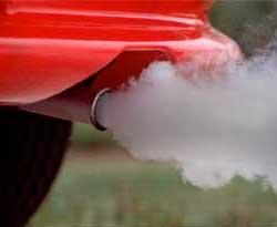 Як визначити стан двигуна автомобіля за кольором вихлопних газів