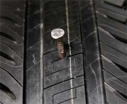 Як відремонтувати безкамерну шину. Як заклеїти прокол у безкамерній шині